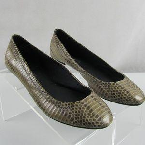 Ann Taylor shoes 7.5 M faux snakeskin ballet flats